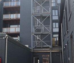 Au c?ur de Waremme, cet appartement basse énergie rénové en 2016 est situé au1er étage d'une résidence de 10