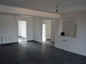 Au c?ur de Waremme, cet appartement basse énergie rénové en 2016 est situé au 3ème étage d'une réside