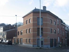 Situé sur l'axe Liège-Fléron, cet appartement neuf d'env. 100 m² se compose d'un salon/salle à manger, d' une cuisine