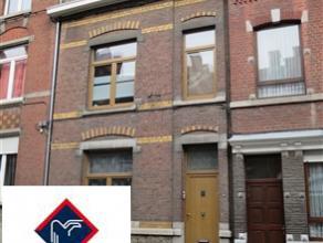 Immeuble d'habitation unifamilial actuellement divisé en trois entités (loyers autour de 350euro/entité) - 3 compteurs d'eau - 3