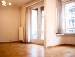Superbe appartement de 87m² situé au coeur de la ville de Liège. Anciennement doté de 2 chambres, l'appartement a ét&
