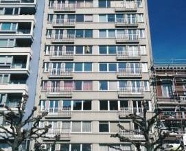 PIERCOT : Superbe appartement idéalement situé au centre-ville sur l'un des plus beaux boulevards avec vue sur le parc. Cet appartement