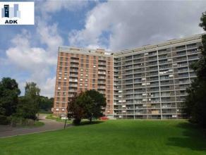 Liège-Cointe : Très bel appartement de 90 m² situé dans le parc du Bois d'Avroy. Composition : Lumineux living de 30 m²