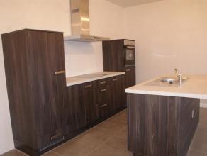 Appartement neuf au première étage se composant: hall d'entrée (4m²), living (27m²), cuisine semi-équipée