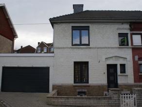 OPTION!!! Maison se composant au rez-de-chaussée: Hall d'entrée (5m²), salon (11m²), salle à manger (15m²), cuisin