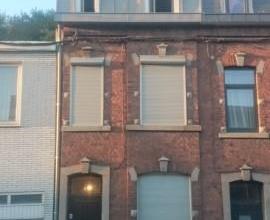 Maison très bien située sur Ans avec beaucoup de possibilité, à 2 minutes du centre ville. A VISITER !!!!!! Composition: 3