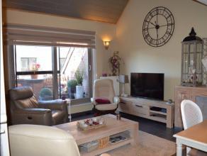 Magnifique Duplex 2 ou 3 chambres superbement entretenu au centre de Waremme dans un immeuble récent (2005) comportant 3 appartements.Compositi