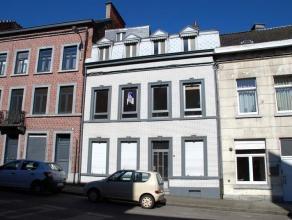 Grande maison d'habitation deux façades, quatre chambres, avec des possibilités d'aménagement intéressantes (beaux volumes