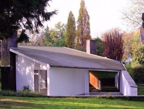 Dans le quartier chic Leo Errera - W. Churchill se trouve la somptueuse maison faite par Jacques Dupuis.<br /> Cette véritable oeuvre d'art mod