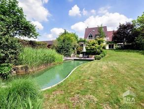Faubourg, jolie villa de charme 250m² habitable avec piscine naturelle, salon avec bow-window et feu-ouvert, salon TV attenant, cuisine super &ea