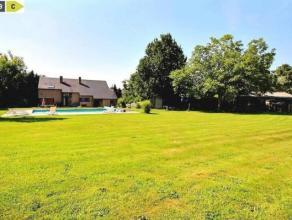 NANINNE, Villa d'exception 4 chambres avec piscine.Magnifique propriété logée sur un magnifique terrain de 43 ares et  bén