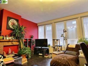 NAMUR<br /> Dans une rue proche du centre-ville de Namur, cet appartement 2 chambres de 70m² est un compromis parfait entre facilités cita