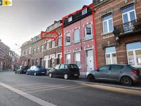 NAMUR<br /> Excellente maison de ville située à proximité de toutes les facilités (à deux pas de la gare des trains