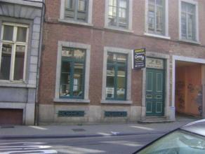 3 Kots disponibles au coeur de Namur!!! Facilités commerces, écoles, transports! A ne pas manquer!<br /> Kot communautaire, dont 3 chamb