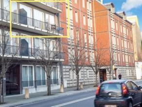 En plein centre de Namur... Ce magnifique appartement confortable comprend une Cuisine 1/2 équipée, un lumineux living, 2 chambres donna