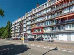 Superbe appartement spacieux et lumineux offrant une vue magnifique sur la Meuse.<br /> En plus de ses 2 grandes chambres, de sa cuisine 1/2, é