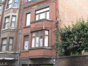 Rue des Carmes, 13/201 à 5000 NAMUR. Bel appartement récemment rénové situé au 2e étage d'un immeuble au cen