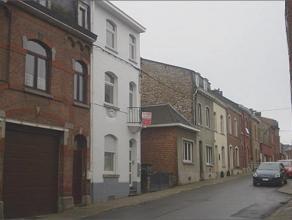 Rue du Beau-Vallon, 151 à 5002 SAINT-SERVAIS. Agréable appartement de +- 60m² situé au rez-de-chaussée, compos&eacute