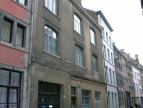 A louer, appartement 1 chambre, très lumineux, rénové, situé au cur du vieux Namur, au deuxième étage de l'i