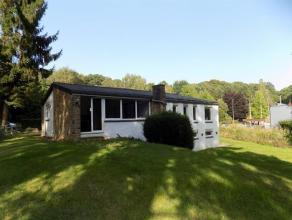 A louer, villa de plain-pied, 2 chambres et bureau, idéalement située à la périphérie Namuroise, sur l'axe W&eacute