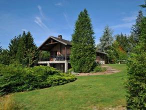 A vendre: euro215.000 meublé Domaine de Bellevue 123, Septon/ Durbuy Ce chalet est bien situé dans le Domaine de Bellevue n° 123 &ag