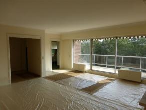 Parc Brugmann - Idéalement situé dans un immeuble classique, agréable appartement, 2 chambres, d'environ 100m². Lumineux, le