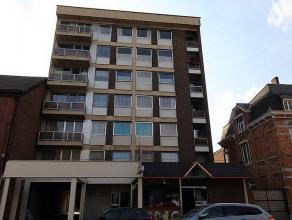 GILLY : Superbe appartement traversière avec garage, entièrement restauré, il vous propose : hall d'entrée avec parlophone