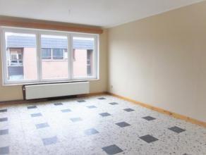 Charmant appartement 2 chambres avec garage privatif, situé dans une petite copropriété et à proximité de la ville