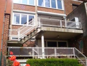Dans un beau quartier de Marcinelle, Beau site,  maison avec garage (porte motorisée), terrasses et jardin, L'espace habitation comprend living