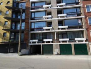 Séjour de 85 m² - cuisine semi équipée de 12m² - vestiaire  2 WC séparé  hall de nuit -  3 chambres de (1