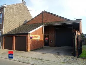 BUZET : Situé à seulement quelques minutes de Nivelles, dans le charmant village de Buzet, grand hangar à vendre. Celui-ci dispos
