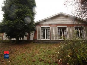 MARCINELLE : Pour amateurs de grands espaces verts ! Belle propriété comprenant une jolie villa avec véranda et terrasse, un bung