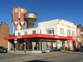 FLEURUS : Bel immeuble mixte situé sur un axe de passage. Il se compose d'un commerce au rez-de-chaussée d'une superficie totale de +/-6