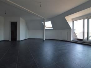 CHATELINEAU: Spacieux appartement neuf, composé de 2 chambres, avec balcon, offrant une belle luminosité et 92m² de superficie habi
