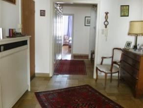 CHARLEROI: Très bel appartement lumineux et spacieux (150m²) situé au 5ième étage d'un immeuble avec ascenseur et qui