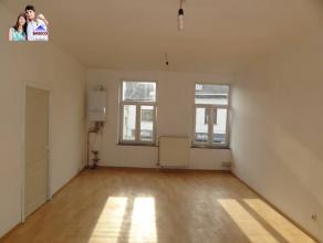 Appartement 2 chambres dans le centre de FleurusIl se compose d'un living avec coin cuisine semi-équipé, d'une salle de douches et de de
