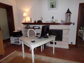 Mont-sur-Marchienne : à louer dans quartier résidentiel magnifique bureau avec entrée privative, deux pièces, WC sé