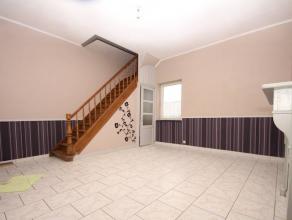 VISITES : 0489/28.28.03Gilly : à louer maison entièrement rénovée (nouveau carrelage, électricité conforme,