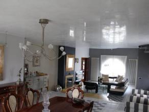 Superbe villa de haut standing située dans un beau quartier de La Louvière et proche de toutes commodités (transports en commun,