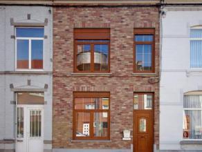 Fleurus, chaussée de Charleroi 80 : Sympathique maison composée d'un hall, living, cuisine semi-équipée, buanderie, WC, 3