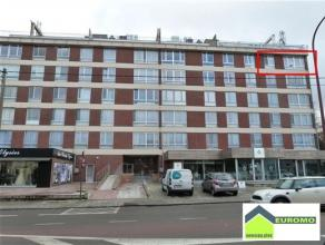 Bel appartement rénové situé au 5ème étage - avec garage - proche du centre et de toutes facilités - A 5'de