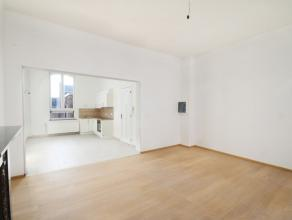 centre : Dans un immeuble complétement remis à neuf : un superbe appartement duplex 3 chambres, cuisine équipée, tr&egrave