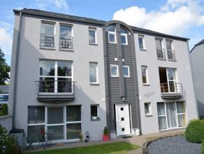 Bel appartement 2 chambres sis à Viville, dans la commune d'Arlon. L'appartement se situe au rez-de-chaussée d'une résidence comp