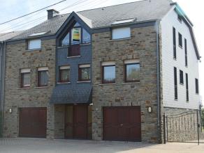 Maison d'habitation Bel Etage, de construciton récente, avec grand terrain de plus de 3 hectares. Maison 3 façades en parfait éta