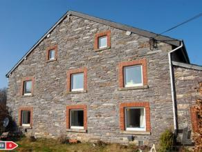 A vendre, maison 4 façades avec beaucoup de potentiel. Dans le petit village de Grand-Sart sur la commune de Lierneux, venez découvrir c