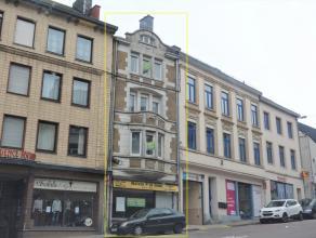 Superbe immeuble situé dans une agréable rue d'Arlon. Composée de la sorte; Un rez-de-chaussée commercial accès rue