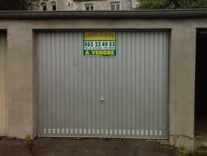 box de garage trés sain et situé proche du centre