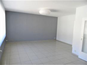 Appartement lumineux composé de deux chambres, d'un hall d'entrée, d'un spacieux séjour, et une cuisine équipée r&e
