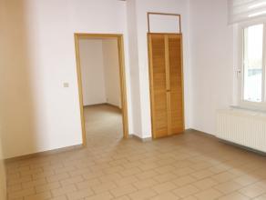 Appartement composé d'une chambre, une cuisine équipée, avec espace salle à manger, et une salle de bain + wc.