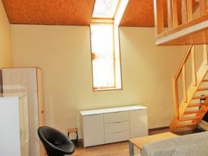 Appartement situé dans le centre d'Arlon, proche des commodités et de la gare. Situé au second étage d'une petite r&eacute